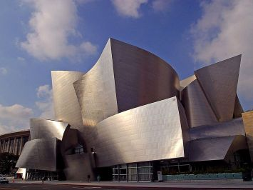 Walt_Disney_concert_hall_in_Los_Angeles